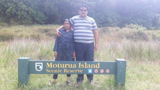 Paihia, New Zealand: hole of rock cruise