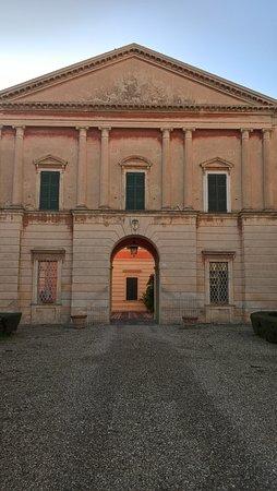 Rivergaro, Италия: ingresso maestoso