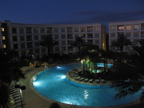 Melia Orlando Suite Hotel at Celebration: La piscina, desde la habitación con vista a la piscina
