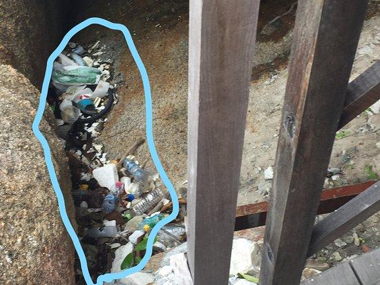 Crystal Bay Yacht Club : Accès de la villa privée jamias nettoyé pendant la semeine