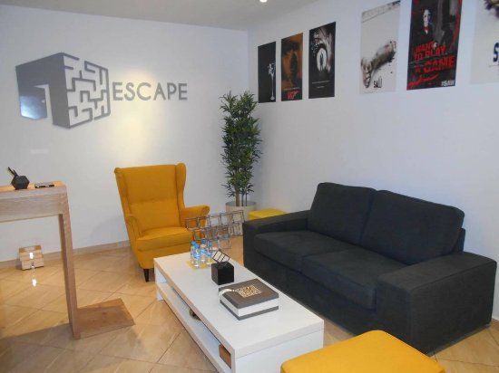 Escape The Room : The reception is so cozy, we feel just like home