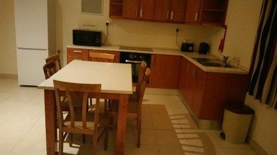 Pembroke, Malta: Zona común de las habitaciones, se comparte entre tres habitaciones.