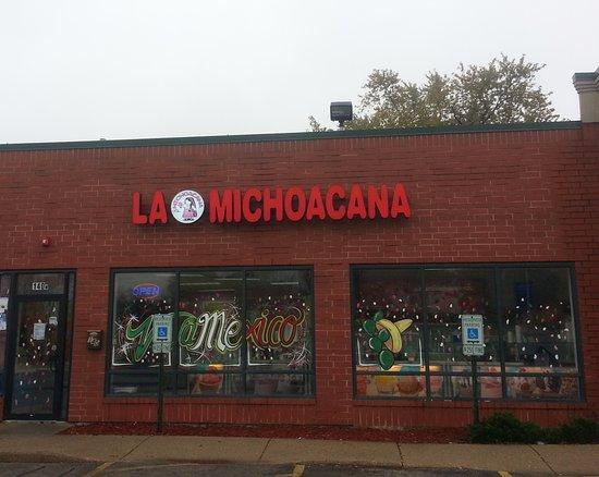 Bensenville, Ιλινόις: front of & entrance to La Michoacana