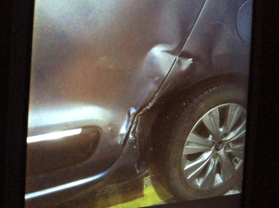 Clayton Hotel Manchester Airport: Damage done to our car that was not reported