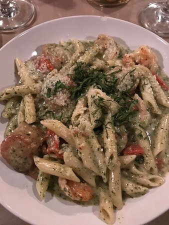 Tuscany Grill: Pesto pasta with scallop and shrimp