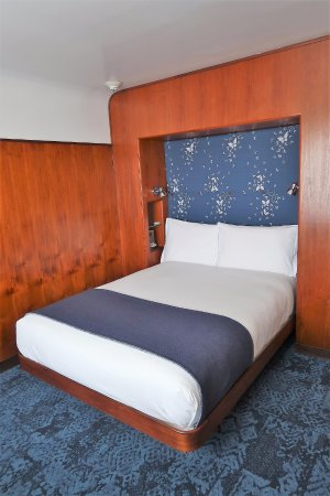 Queen Size Bed In The Superior Room Picture Of The Maritime Hotel New York City Tripadvisor