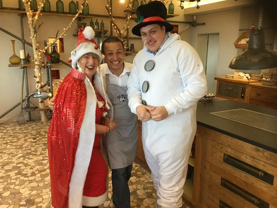 Blagdon, UK: A couple of our Yeo regulars getting in the festive spirit along with our very own Tarci.