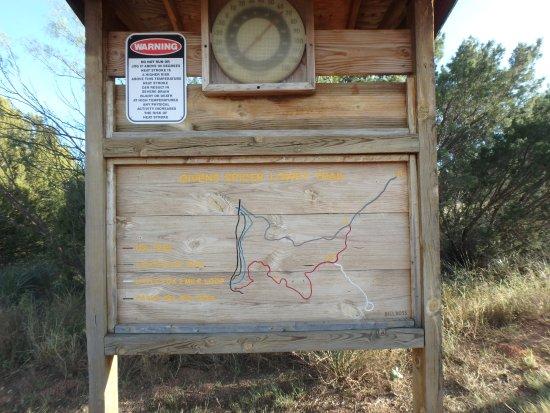 Canyon, تكساس: Givens Spicer trailhead