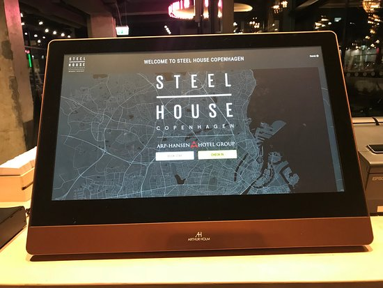 Steel House Copenhagen: Checking in and out