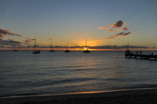 Les Anses d'Arlet, Martinica: Sunset from the beach