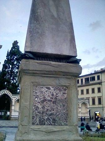 Piazza di Santa Maria Novella: What's with the turtles?