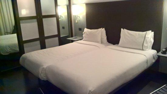 interno camera da letto - Picture of AC Hotel Porto, Porto - TripAdvisor