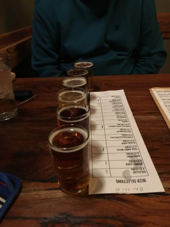 Roseland, VA: a flight of yummy beer