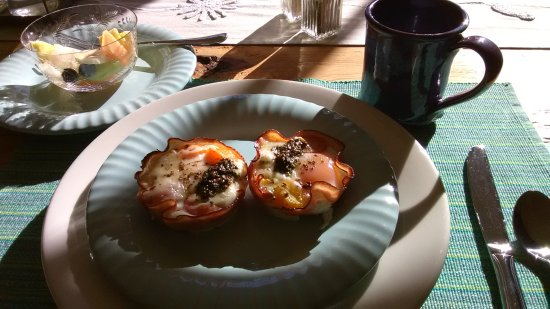 Round Pond, ME: Egg in ham cups