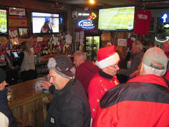 Kozy Korner Bar and Pizza: Place was packed