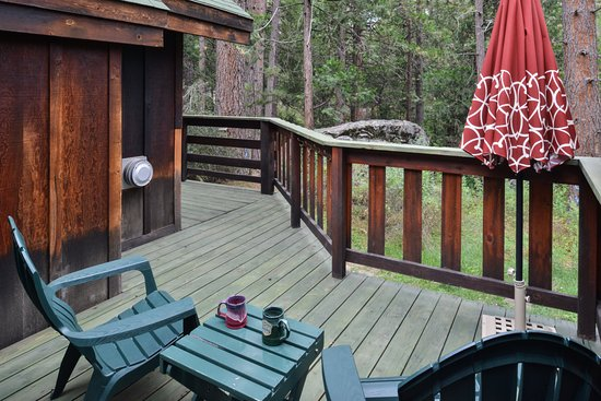 Idyllwild, CA: King suites offer an even more expanded that wraps around to a larger private deck