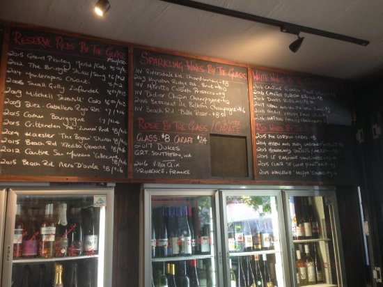 Moonee Ponds, Australia: Great wine by the glass selection