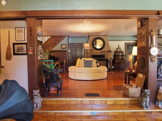 Idyllwild, CA: Revitalized hardwood and parquet oak floors highlight the craftsman and mission features.