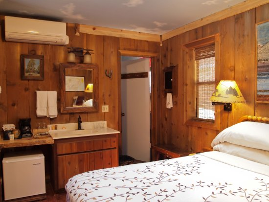 Idyllwild, كاليفورنيا: All suites and rooms now offer state of the art individual heating and cooling controls