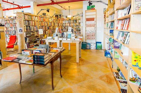Lunenburg, Canada: variety of books