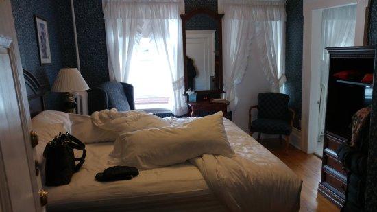 Thayers Inn Photo
