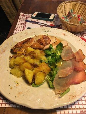 Cantina Tirolese : photo1.jpg