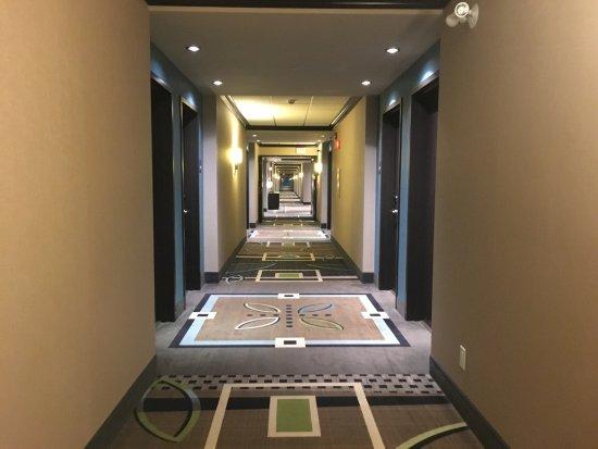 Spruce Grove, Canada: Typical hallway