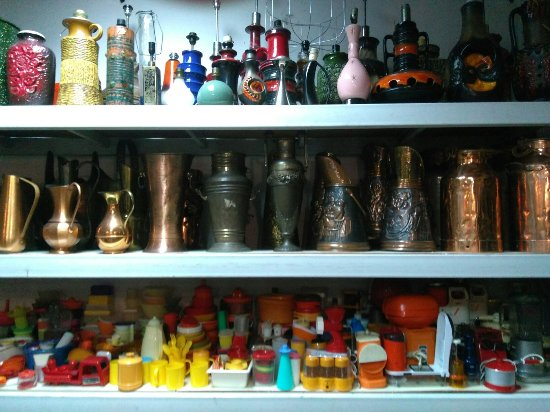 Various Items And Cool Antiques And Stuff Photo De