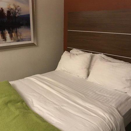 Holiday Inn Express Poughkeepsie: photo1.jpg
