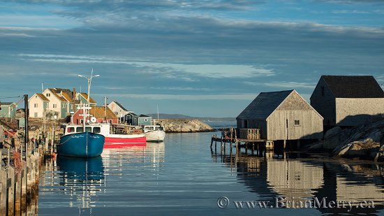 The little harbour Of Peggy's Cove 200m from the lighthouse is a beautiful little photo