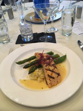 The Nantucket Hotel & Resort: Salmon, asparagus, rice with sauce.