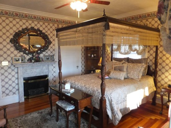 Marshfield, MO: Guest room