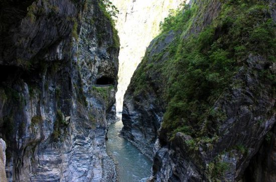 Taroko Gorge National Park Day Tour - 4 or more person