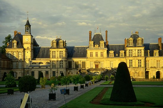 Fontainebleau Vaux le Vicomte...