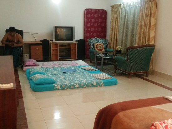 Pleasant Stay Guest House Beautiful Room And With Additional Beds On Request