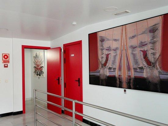 Hotel Del Pintor: Muestra de la decoración del hotel