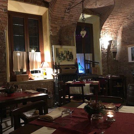 Infernot cantina con cucina e pizza photo de infernot cantina con cucina e pizza tortona - Cucina e cantina ...