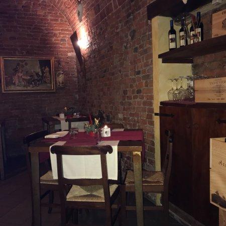 Infernot cantina con cucina e pizza picture of infernot cantina con cucina e pizza tortona - Cucina e cantina ...