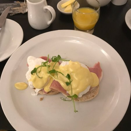 Newcastle Emlyn, UK: Breakfast time