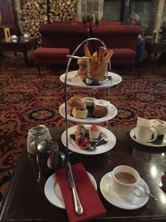 Langley Castle Restaurant: Gentleman's Afternoon Tea