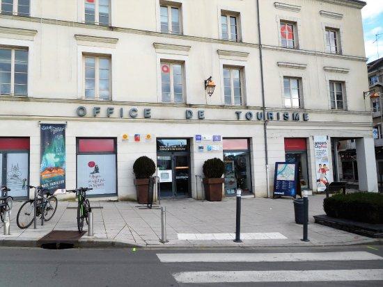C t chateau picture of office de tourisme d 39 angers loire metropole angers tripadvisor - Office de tourisme maine et loire ...