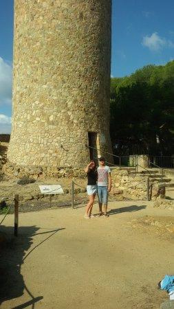 Castell de Sant Joan (Sant Joan Castle) : pod wieżą
