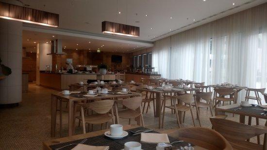 Sun Gardens Dubrovnik: salon du petit déjeuner