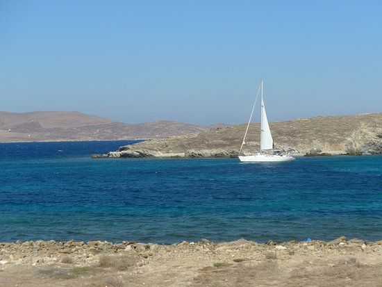 Looking at the sea from Delos.