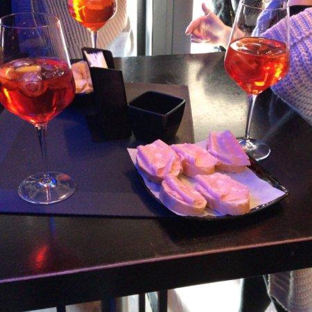 Vino e dintorni lounge bar asiago italien omd men for Affittacamere asiago e dintorni
