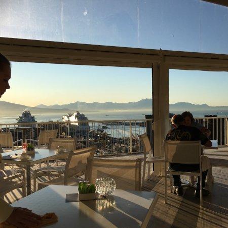Renaissance Naples Hotel Mediterraneo : morning view