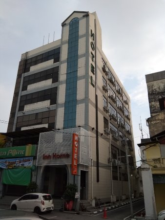 Inn Home Hotel: Front View of Hotel