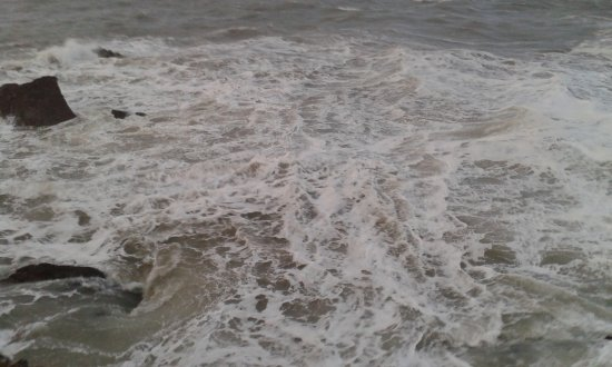 Bay Dilkhusa Grand Hotel: the raging sea outside the hotel