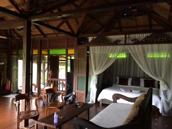 Sunset Valley Holiday Houses: the day when we checked in