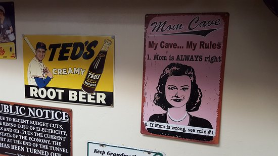 West Springfield, MA: Mom Rules